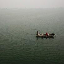 白马湖上捕鱼人