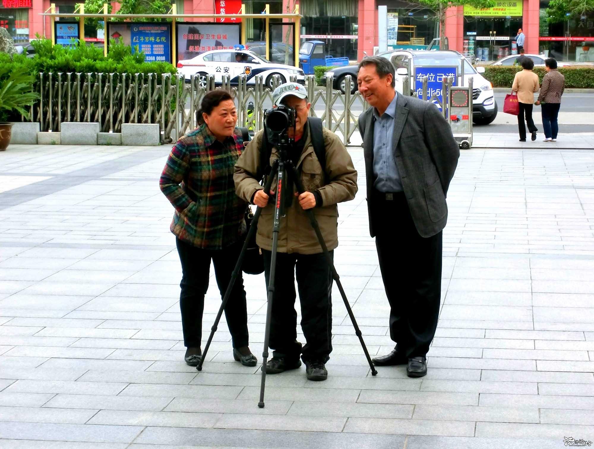"""人老心不老 75歲的攝影初學者""""老丁"""""""